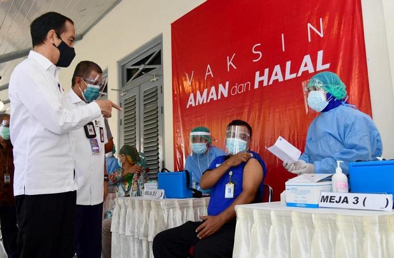 vaksinasi COVID-19 bagi pedagang pasar beringharjo